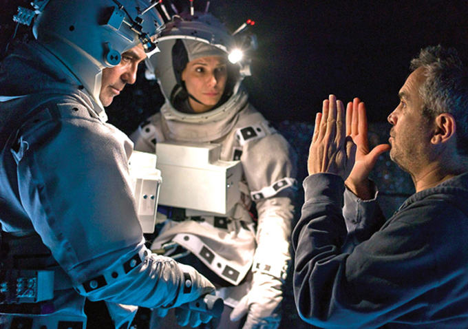 gravity-alfonso-cuaron-george-clooney-set-image