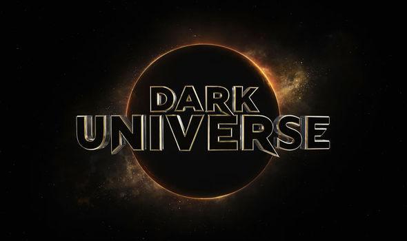 dark-universe-logo-964343
